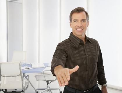 persona saludando